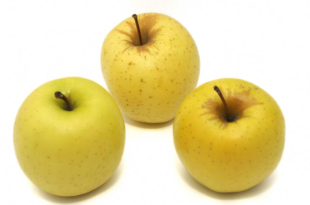 pommes golden #2 pommes jaune nourriture fruit isolé isoler détourer détouré , golden apples Yellow food isolated fruit isolate crop cropped